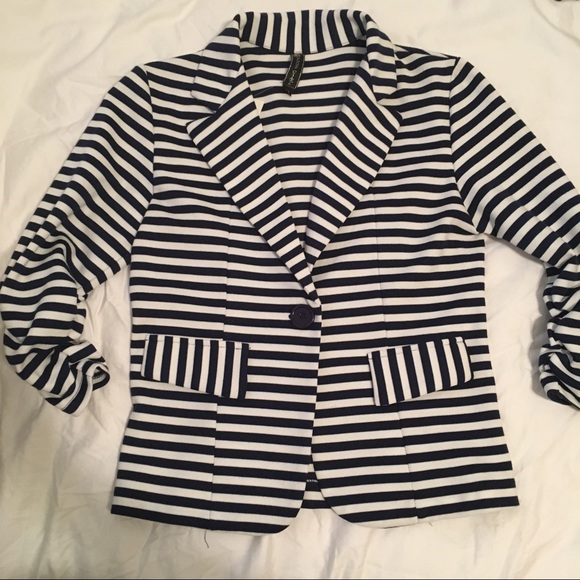 4fdd2b0a685 NWT Navy striped blazer (Girls L 14)